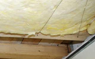 Как закрепить утеплитель на потолке изнутри