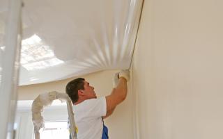 Можно ли крепить натяжной потолок к гипсокартону