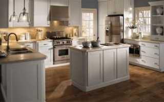 Стоит ли класть ламинат на кухне